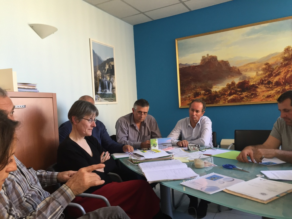 Le Président du CRPMEMC Gérard Romiti accompagné des Prud'hommes de Corse, Eric Villain (Balagne)-Xavier d'Orazio (Ajaccio)-Philippe Botti(Bonifacio)-Daniel Defusco(Bastia/Cap Corse) et de Jessica Dijoux (Directrice du CRPMEMC)-Dominique Compas(SA du CRPMEMC)