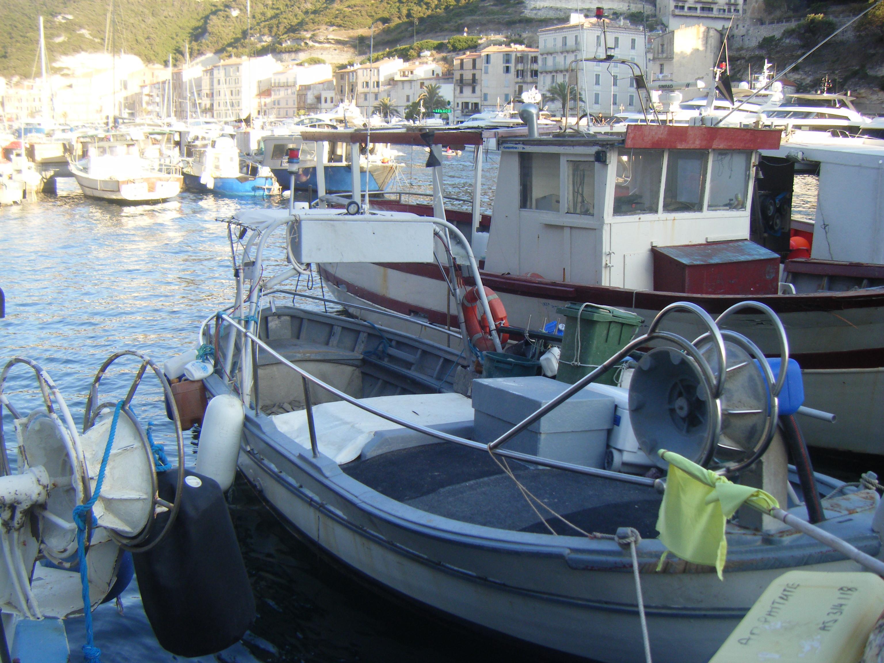 bateau de peche avec pme professionnel
