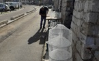 Michel SERRERI, Patron Pêcheur à Ajaccio confectionne ses nasses à crevette sur le Port Tino Rossi